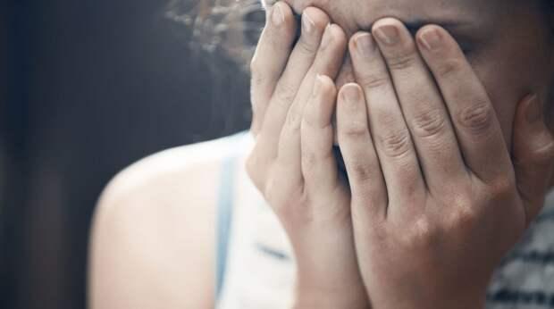 «Когда ты уснешь, я задушу нашу дочь подушкой»: из истории домашнего насилия