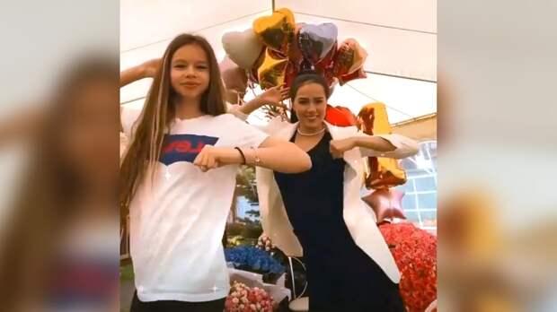 Загитова послучаю дня рождения исполнила синхронный танец вместе смладшей сестрой: видео