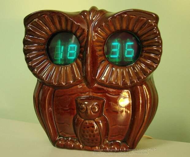"""Настенные электронные часы с будильником """"Сова"""". 1987 год. Стоили целых 34 рубля СССР, гаджет, история, стиралка, техника, факты"""