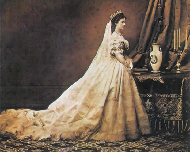 Кто самая красивая королева в истории?