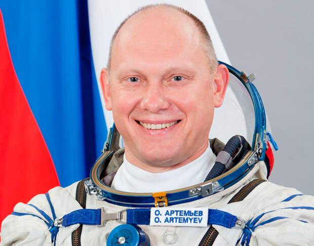 Космонавт Олег Артемьев мечтает встретить инопланетян