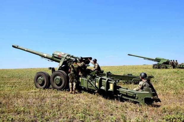 ВСУ выдвинули к границе ЛНР мощные буксируемые гаубицы «Гиацинт-Б»