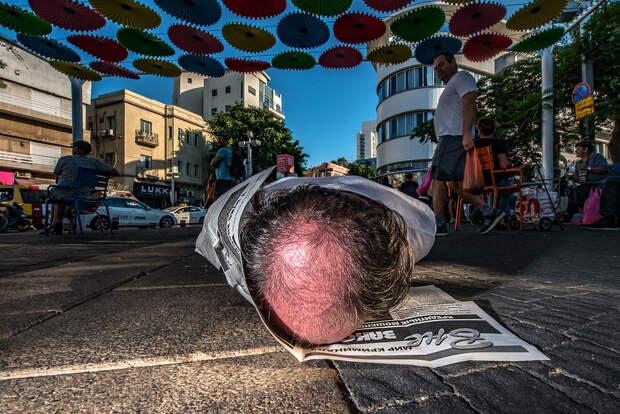На улице в Тель-Авиве. Фотограф Алан Бурла 43