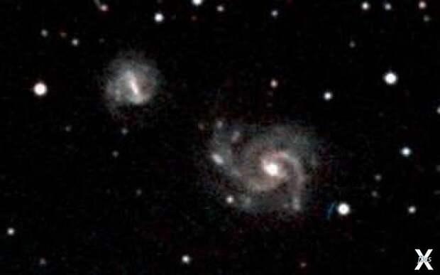 Две галактики в Пустоте Тельца