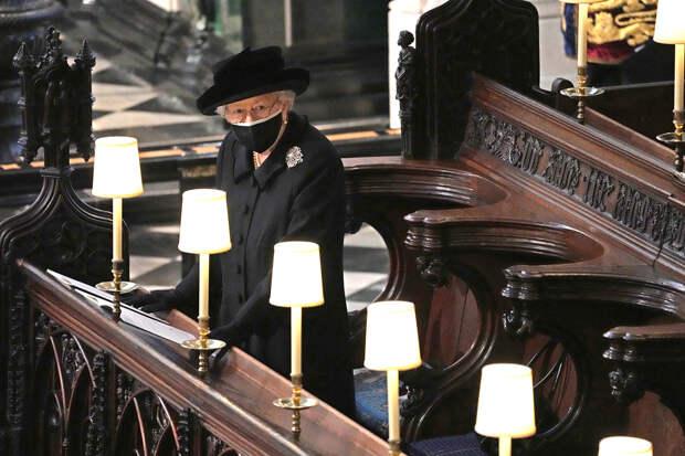 Елизавета II на похоронах принца Филиппа