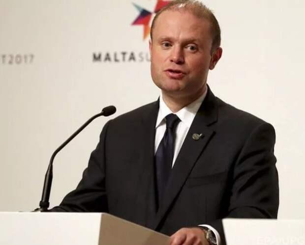 Ещё одна отставка на фоне протестов - на этот раз на Мальте
