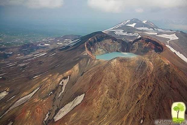 Устрашающий вулкан Малый Семячик с кислотным озером. Камчатка, Россия - 7