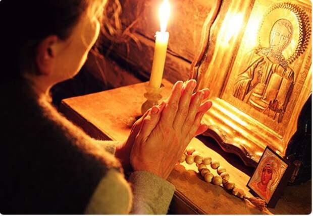 Молитва из сердца будет услышана богом. Источник фото https://sorokoviny.ru