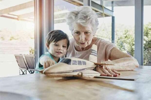 Бабушка, живущая с молодой семьей, всегда бесплатная няня?