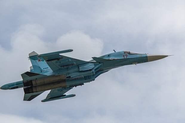 Американский сенатор поздравила ВВС США фотографией российских Су-34