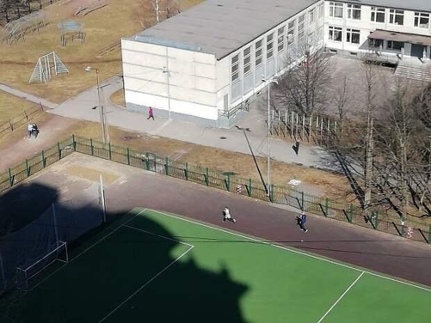 «Красавица»: мужчина приставал к подростку в Москве, приняв его за девушку