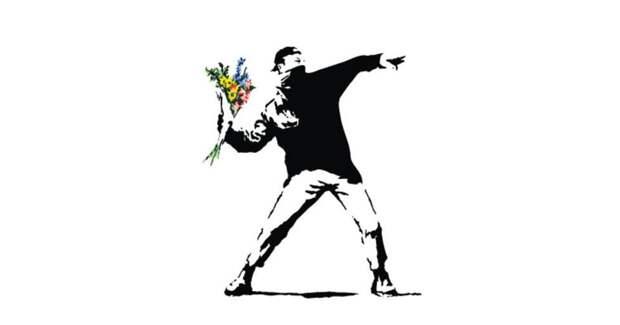 Производитель открыток лишил Бэнкси прав на знаменитое граффити Flower Thrower