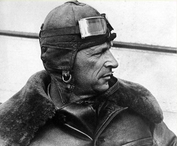 В тени великого Чкалова: история легендарного пилота СССР