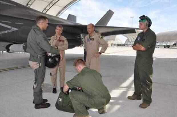 «Крылья войны» рассказали о причинах нехватки летчиков в ВВС США