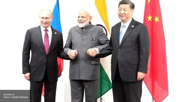 США могут забыть о гегемонии: Вассерман объяснил, как РФ изменит мир вместе с КНР и Индией