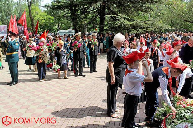 Феодосия 9 мая Колонна ветеранов