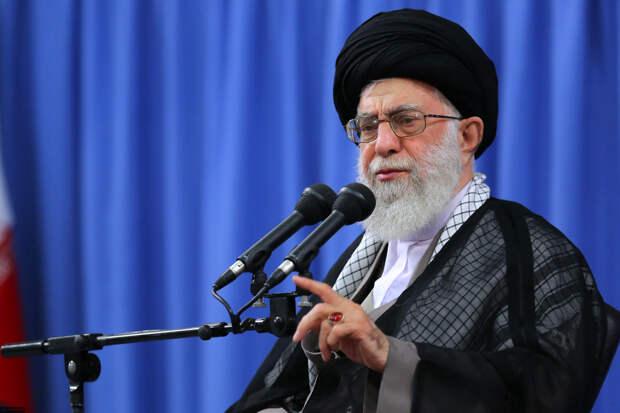 Верховный лидер Ирана Хаменеи появился на публике на фоне слухов о болезни