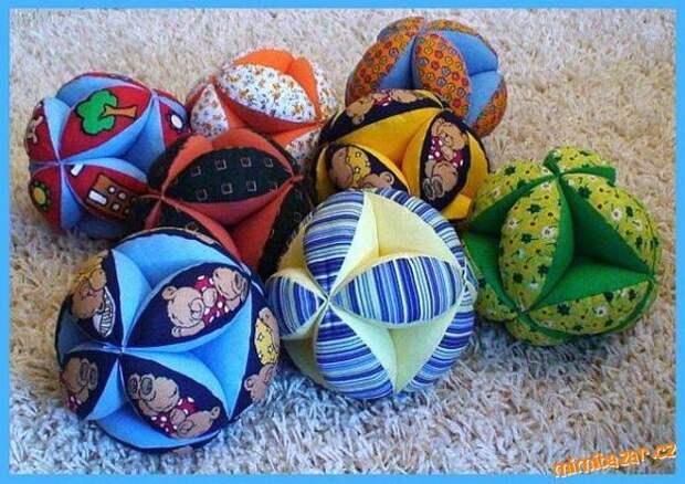 Картинка как сшить детские мячики для развивающих игр своими руками