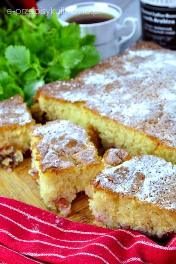 Быстрый фруктовый торт с пахтой (без миксера и кулинарных навыков)