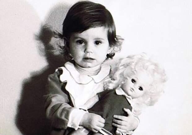 Как выглядела в детстве, обаятельная актриса Ирина Муравьёва, и ее творческая судьба, изображение №2