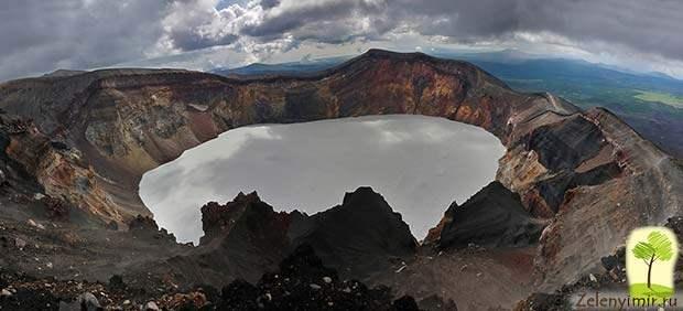Устрашающий вулкан Малый Семячик с кислотным озером. Камчатка, Россия - 10