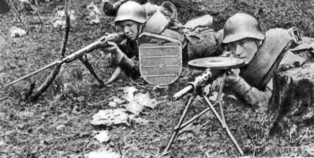 Какие события наиболее сильно ослабили Красную Армию перед войной