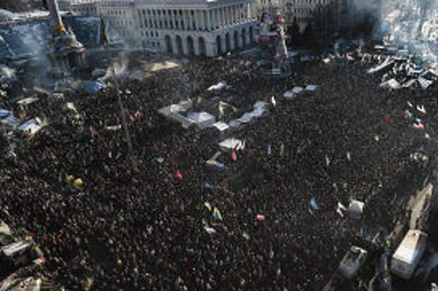Протестующие на Площади Независимости в Киеве