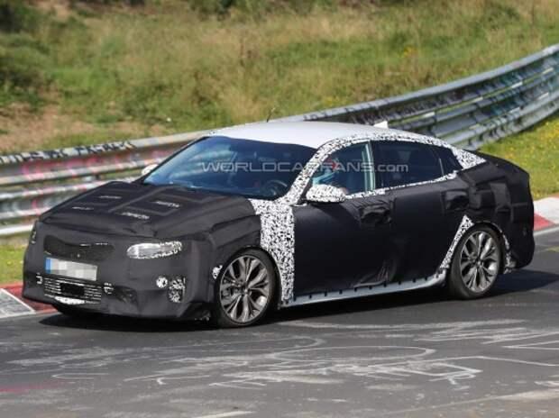 Новый седан Kia Optima показался в Германии и США
