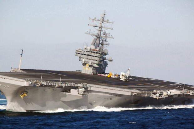 «Дрифт» гигантского авианосец: 100 000 тонн навираже