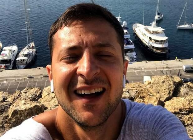 40 метров удовольствия: Зеленский поспешил опровергнуть выдумки турецких СМИ