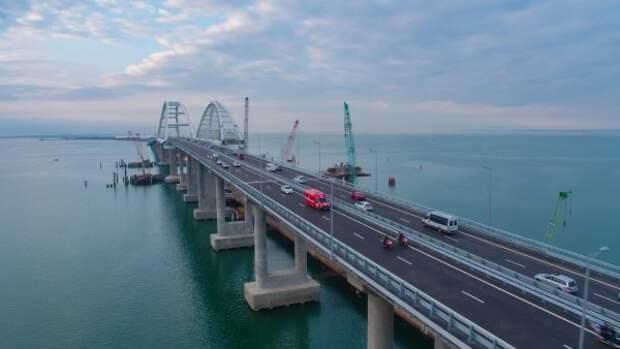 Стало известно, сколько автомобилей проехало по Крымскому мосту в октябре