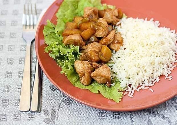 Курица в кисло-сладком соусе и рассыпчатый рис