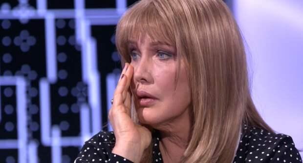 Зарабатывающая более 1 млн рублей Проклова пожаловалась на маленькую пенсию