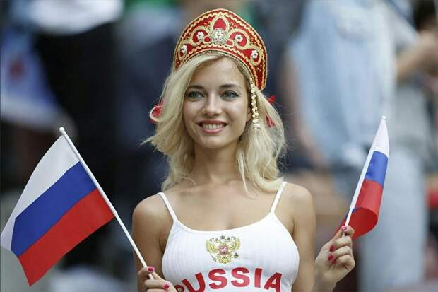 Девушка познакомилась с иностранцем и полетела на свидание в другую страну. Теперь будет платить
