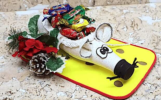 Очень необычная упаковка сладкого подарка на Новый год