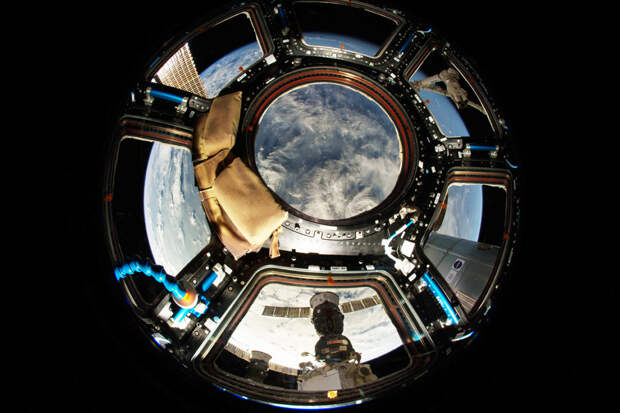 В ближайшие три года российский сегмент международной космической станции дополнят тремя модулями - лабораторным, многофункциональным узловым и энергетическим. Фото: nasa.gov