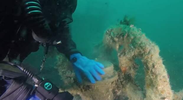 В Интернете появилось видео с затонувшего недалеко от Крыма корабля XIX века