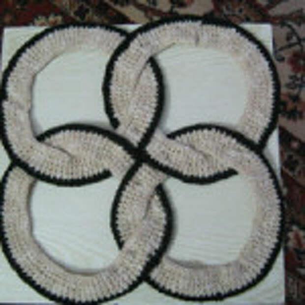 Оригинальный вязаный коврик (2)