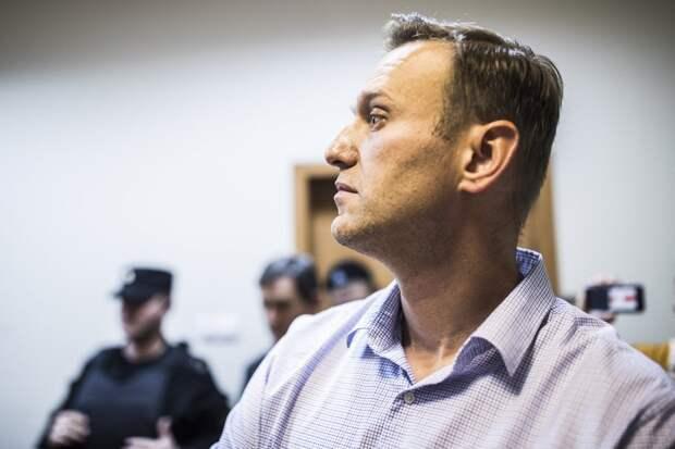 Санкции и обострение отношений: зачем Навальный объявил голодовку