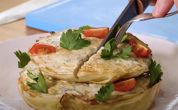 Капустные стейки в медовом соусе: ординарный овощ стал шедевром