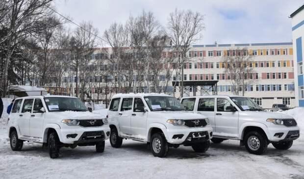 Сахалинским больницам выделили шесть новых внедорожников «Патриот»