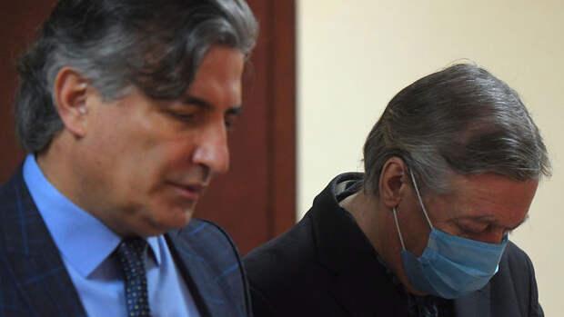Пашаев рассказал о тех, кто был готов за деньги взять на себя вину Ефремова