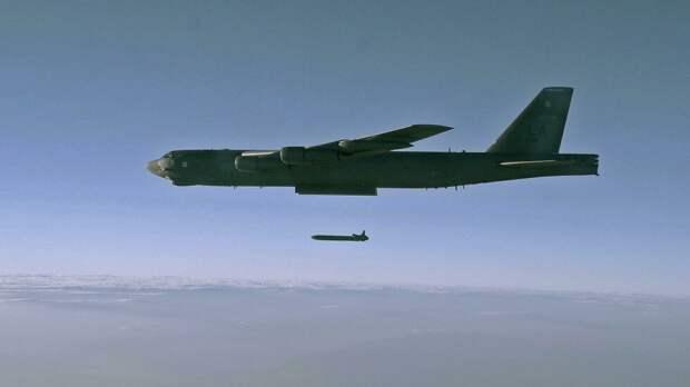 Американские бомбардировщики отработали «удары» по Калининграду