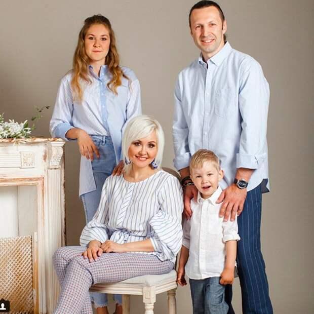 Василиса Володина показала семейное фото