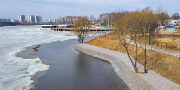 В парке Северного речного вокзала была укреплена береговая линия