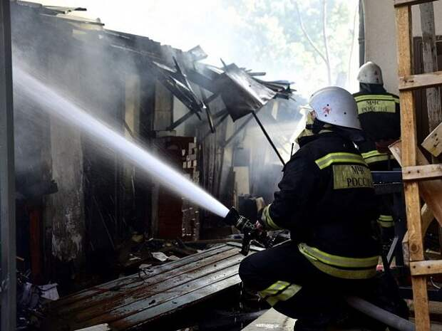 После пожара в Динском районе завели уголовное дело