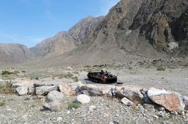 Киргизия и Таджикистан договорились полностью прекратить огонь
