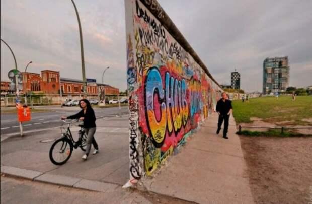 Зачем построили Берлинскую стену и какое влияние она оказала на жизнь простых немцев