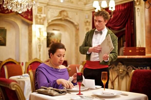 Истории от официантов, чьи клиенты выкидывали такие номера, что даже чаевых не надо