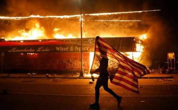 Будет большая бойня: в США призывают устроить бунт против Байдена